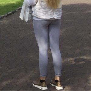 Lululemon athletica Grey/White Pattern Leggings!!